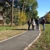 Cesena.Sentierino pedonale per l'area verde di via Zoli. Di fronte all'elementare delle Vigne.