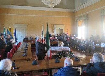Santarcangelo d/R. Il saluto al poeta Fucci. Il sindaco Parma:' Interprete  di un sapere profondo e gentile'.