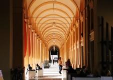 Lugo. Indetta un' asta pubblica per l'affitto di ben sette negozi sotto al 'Pavaglione' e in via Garibaldi.
