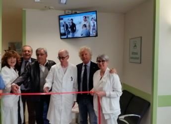 Rimini. Dalla Ail sei televisori al Day hospital. 24 ore dopo il dono d'una moderna risonanza magnetica.