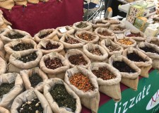 Faenza. Prodotti alimentari e d'artigianato tutti 'naturali' con il mercatino 'Circa naturam'.