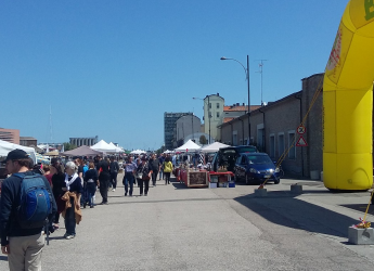 Ravenna.La magia del vintage in Darsena con 'La pulce d'acqua'. Il 2 giugno: mostra-mercato dell'usato.