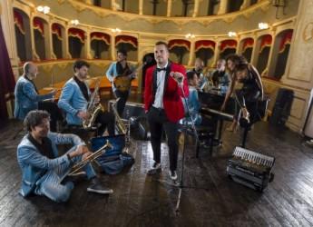 Cesenatico. Mirko Casadei torna in radio con nuovo singolo. Dal 28, esce il disco ' Solo per stare con te'.