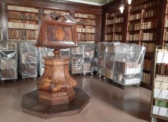 Rimini. Lavori nelle sale storiche della 'Gambalunga'. Ora sospesa la  consultazione dei libri antichi.
