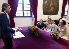 Rimini. Erika e Igor uniti in matrimonio dal sindaco Gnassi. Quale prologo al  'Jova Beach Wedding'.