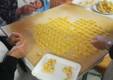 Massa Lombarda. Arriva la 'Sagra del cappelletto'. Nove q.li di pasta fresca per un weekend solidale.