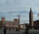 Forlì. Mostra fotografica: 'Piazza Saffi e Forlivesi anni '80′. Un luogo da sempre anima e cuore della città.