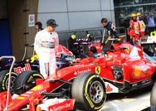 Non solo sport. Sbadigli in MotoGp. Omaggi della 'rossa' in F1. Per solidarietà, tre pari in Campionato.