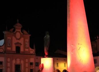 Lugo. L'ala di Baracca illuminata di rosso. Nella giornata contro la violenza sulle donne.