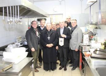 Forlì.  Lions Club Forlì Host : 'Rimuovere le cause che portano a servirsi della mensa dei poveri'.