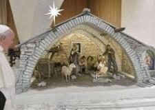 Non solo sport. Auguri di Buon Natale. Nella luce che continua ad irradiarsi dalla  grotta di Betlemme.