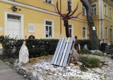 Cervia Milano Marittima. Commovente cerimonia per 'Gocce della Memoria', alla primaria  'Pascoli'.