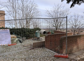 Santarcangelo d/R. Al via i lavori ai giardinetti 'La Bosca'. Completati i lavori in via Pradazzi a Sant'Ermete.