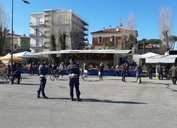 Rimini. Controlli esercizi pubblici e commerciali.Verifica della Polizia locale su chiusure e assembramenti.