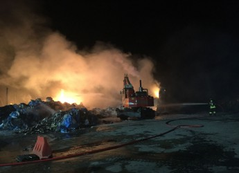 Rubicone. Incendio in impianto di selezione rifiuti a Sogliano. Esclusa da Arpae ogni criticità ambientale.