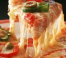 Cesena. 'Pizza Challenge': avanti la miglior pizzeria di Romagna. Dodici in gara fino all'ultimo spicchio.