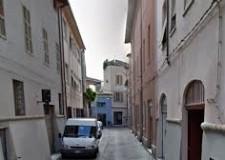 Forlì. Restyling di via Cobelli. Con materiali pregiati e una particolare attenzione a tutti i dettagli.