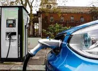 Rimini, 42 nuove colonnine per i veicoli elettrici. Ben 22 le vie del territorio  coinvolte nel progetto.