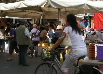 Rimini. Mercati settimanali: la delimitazione dei posteggi per favorire le distanze tra le persone.