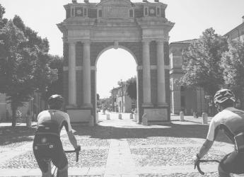 Santarcangelo d/R. Per una intera settimana l' omaggio al Giro d'Italia. Pedalata, addobbi  e proposte.