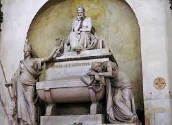 Ravenna. In udienza papale benedetta  la croce donata nel 1965 da Paolo VI per la tomba di Dante.