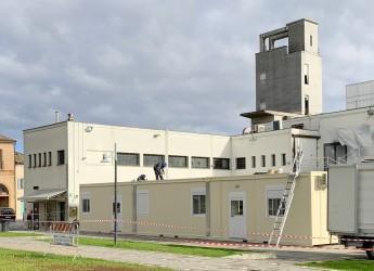 Santarcangelo d/R. Lavori all'Ufficio delle Poste. All'arena Supercinema una struttura postale  provvisoria.