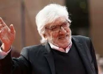Roma. L'addio a Gigi Proietti. Che mai ha amato apparire ma solo essere. Ricco di talento e umanità.