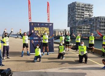 Ravenna. Bella maratona per una Città d'arte. Con una staffetta che, in sicurezza, ha coinvolto tutti.