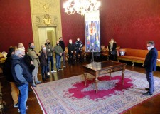 Faenza. Il sindaco Isola incontra i Rioni. Con un augurio: 'Dopo il buio non potrà che tornare il sereno'.