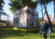 Faenza. 'L'Alieno' in legno di alberi abbattuti dal maltempo  torna ad essere visibile al parco Bucci.