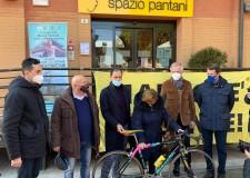 Cesenatico. E' tornata in Città la bici con la quale il 'Pirata' trionfò al Tour de France del 2000.