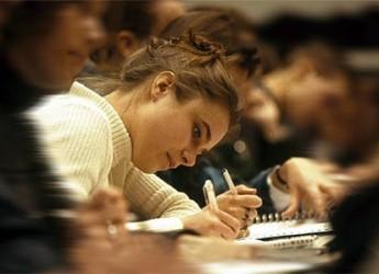 Università. Bonus Inps di 2000 euro per studenti universitari. I requisiti per ottenerlo.