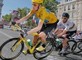 Non solo sport. Volete ridere: nessuna italiana in Champions ! Ciclo  inglese: un fenomeno al  testogel?