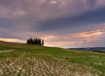 Val d'Orcia. A due passi da Montalcino, per ammirare la via Lattea in tutta la sua gloria.