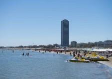 Cesenatico. Il sindaco Gozzoli firma  l'Ordinanza balneare 2021. Per una spiaggia sicura e spaziosa.