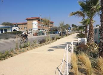 Bellaria Igea Marina. Lungomare in zona Colonie. Nuovi 80 metri di passeggiata, con verde e arredi.
