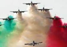 Non solo sport. Il 60° delle Frecce tricolori, ali d'Italia. Altri ori azzurri:  nelle moto, nel volley, nel ciclismo.