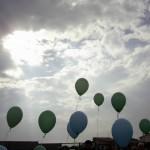 i palloncini degli alunni all'inaugurazione del casello A14 a Gatteo