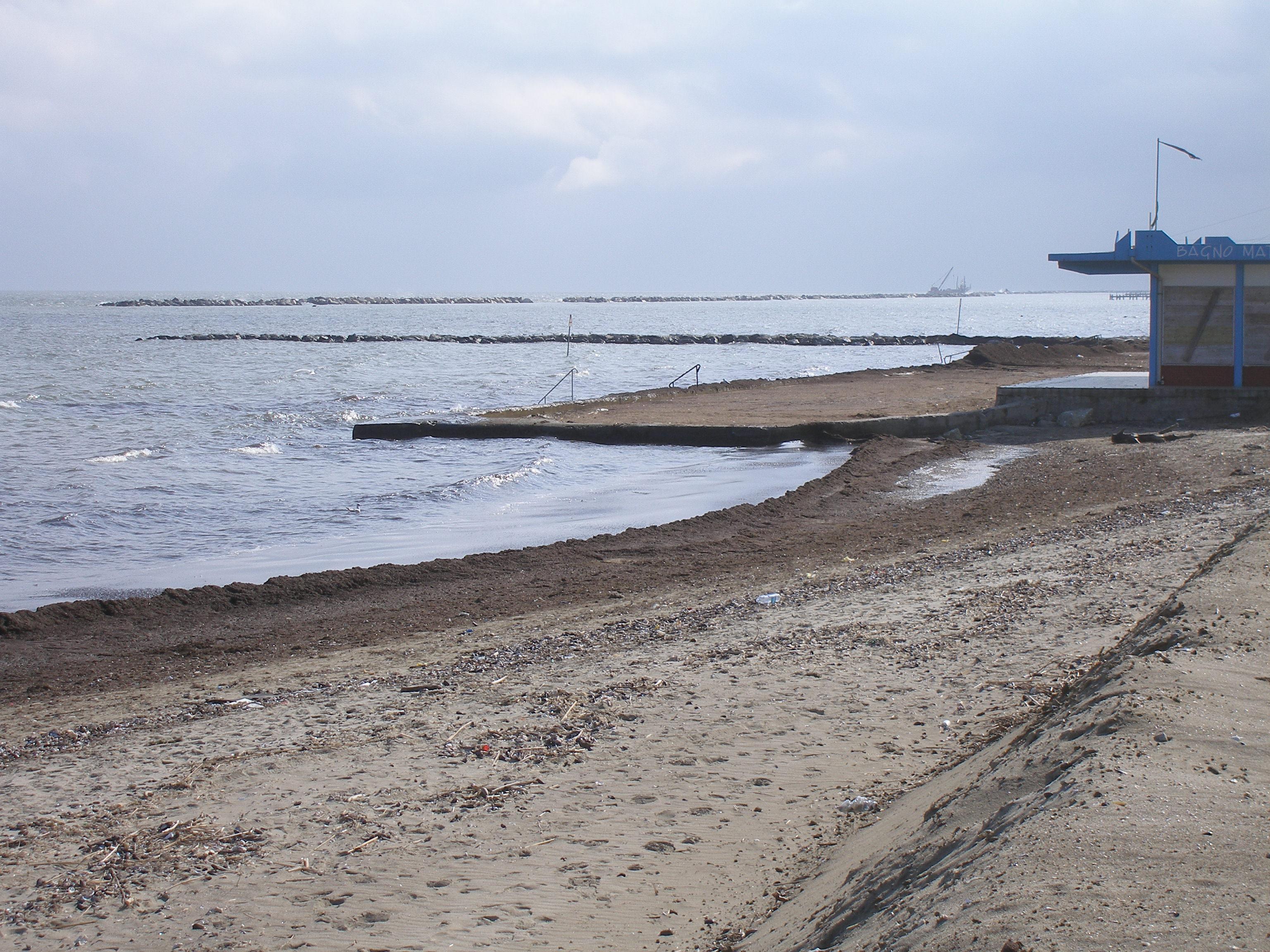 Matrimonio Spiaggia Emilia Romagna : Emilia romagna per l erosione delle spiagge occorre un